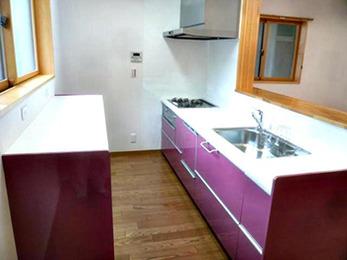 お洒落で可愛いローズピンク色ののキッチンがとても気に入っています。