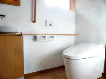 冬の間寒かったトイレも、今回のリフォームで温かくなりました。