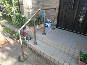 玄関の段差が気になっていたので、とても助かりました。