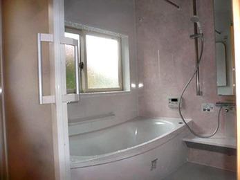 浴槽が浅くなり入りやすく、ホッカラリ床で冬でも暖かいため、孫との入浴が楽しめそうです。