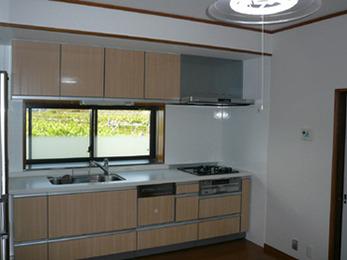 白ベースで明るく綺麗なキッチンになりよかったです。