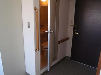 以外と重たい室内ドアの開け閉めも楽になりました。ありがとうございます。