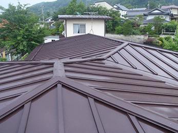 屋根の塗装をしてから20年経っていたので、塗替えが出来てとても安心しました。