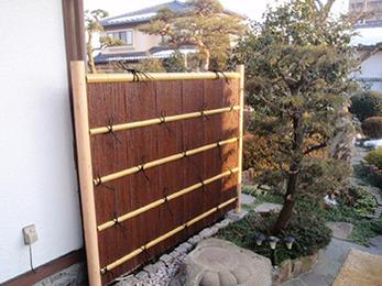 竹垣の高さもピッタリに調整していただいて、スッキリ収まりました。
