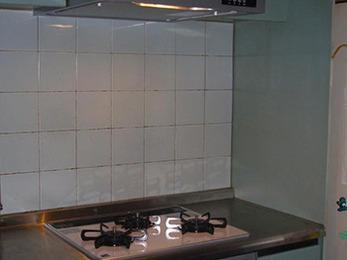 短時間に綺麗で使いやすいキッチンになりとても満足しております。