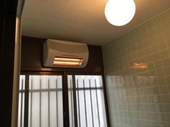 壁付けの浴室暖房機